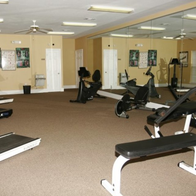 Spring Lake Apartments, Byram, MS - Fitness Center 2