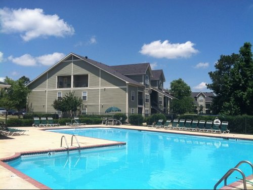 Spring Lake Apartments, Byram, MS - Pool